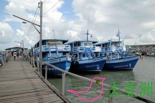 7-11隔壁有条街就是直通到班佩码头Ban Phe Pier搭船的