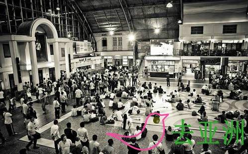 华南蓬火车站(Hualompong)