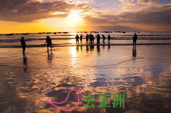 岘港经典一日游:占族雕
