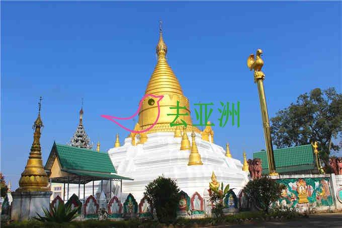 这座金塔就是大佛寺内有名的大金塔