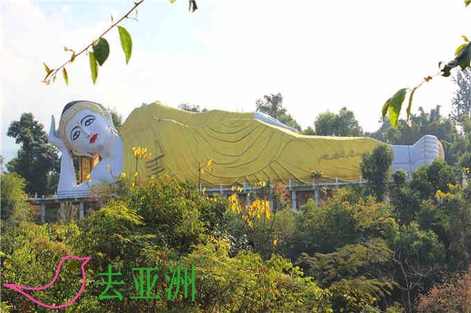 缅甸芒坎寺里漂亮爱美的