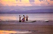 文莱海滩沙滩推荐:文莱有许多未受干扰的海滩