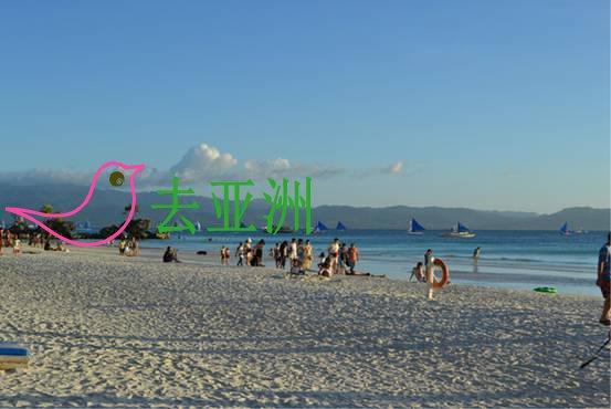妈妈岛,岛上的人很少,出门就是沙滩