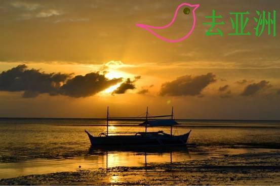 长滩岛最热闹的莫过于太阳下山之后