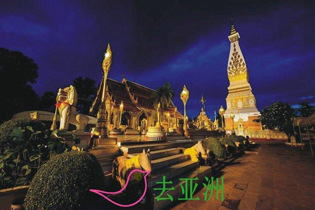 那空拍侬府拍农佛塔寺(Wat Phra That Phanom)