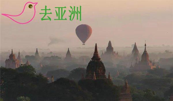 缅甸蒲甘:在热气球和单