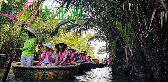 会安锦清乡的七亩椰林,乘坐小圆舟观光水椰林