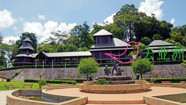 在拉达纳廊散宫殿(Rattanarangsan Palace)  欣赏木制城堡(模型)