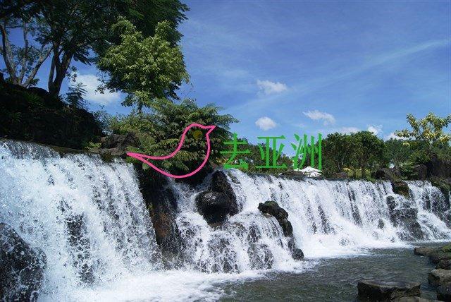 董翁瀑布是平福省富容县的一座美丽瀑布