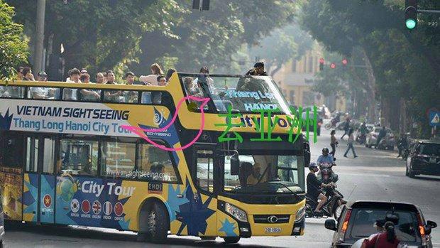 胡志明市试点双层敞篷观光巴士,平均价格为20万越盾