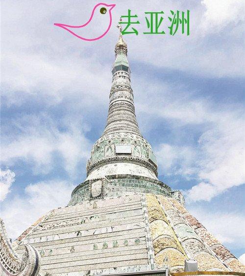 曼德勒玉石佛塔张贴中缅英三语规定规范游客行