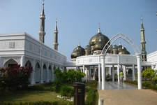 瓜拉登嘉楼水上清真寺