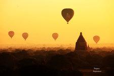 蒲甘热气球飞行Balloons Over Bagan