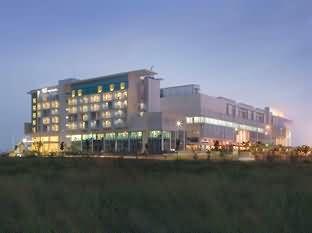 塞尔彭桑蒂卡城市酒店
