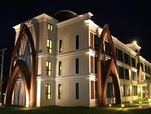 思里拉姆顿酒店