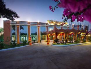 苏廷桑皇家皇宫酒店
