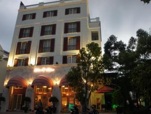 奥迪恩富美兴酒店